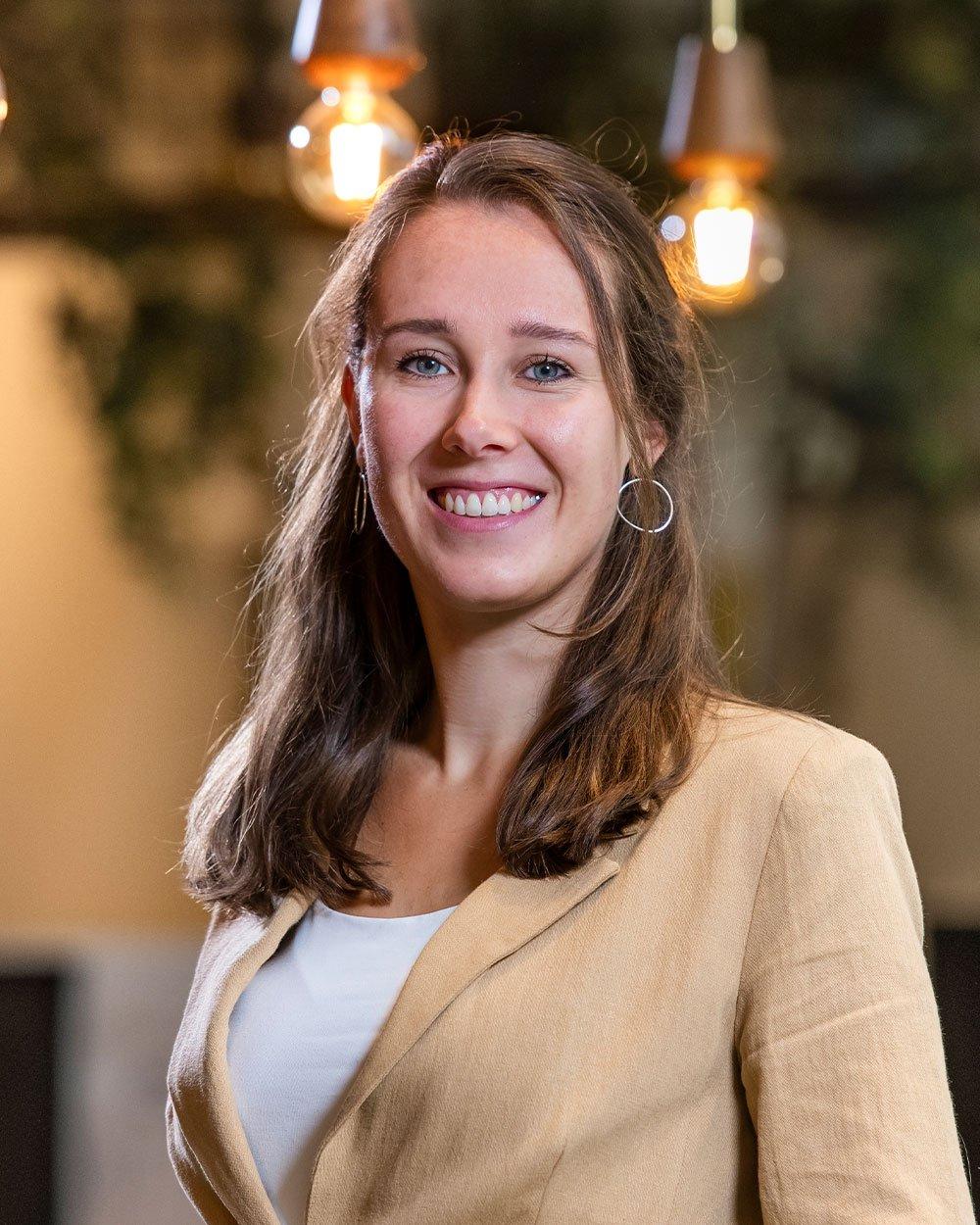 Elles van der Veen, Inbound marketeer bij Bright
